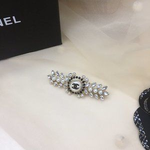 chanel hair accessories